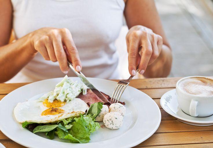 Le régime hyperproteine, ça marche ! Pour perdre des kilos efficacement, et voir des résultats dès la première semaine, c'est une méthode imbattable. Avec la diète à base de protéines, mincir devient un plaisir ! Les protéines existent sous de nombreuses formes, et peuvent être cuisinées de multiples manières. Alors si vous manquez d'inspiration pourRead More