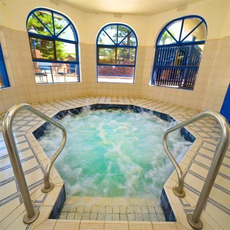 Quality Hotel Parklake Shepparton - Compare Deals