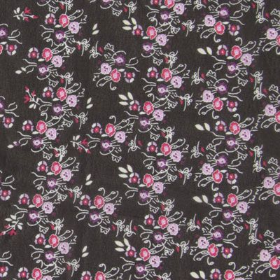 Chiffon Flower Ana Art-Nr.: 68_poso_a15_199 Materiaal: 100% Polyester Kleur: lila Breedte: 148 cm Rapport: Breedte: 15 cm  Hoogte: 4 cm  Gewicht: 90 g/m² Gebruik: Avondkleding, Jurken, Blouses, Sjaals/doeken, Topjes Productie- wijze: geweven Textiel- veredeling: bedrukt Grip: soepele val Eigen- schappen: ragfijn