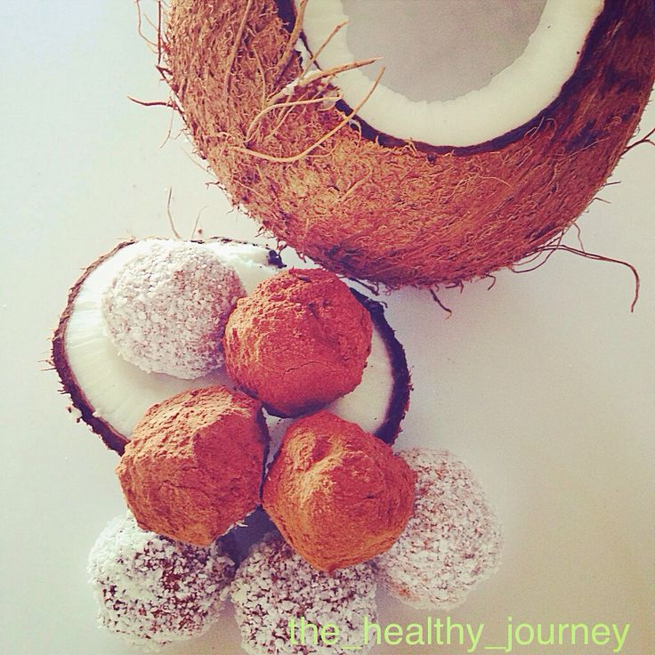 Decadent cacao coconut truffles  Sugarfree, dairy free, gluten free and delish  Follow me on Instagram for recipe @the_healthy_journey