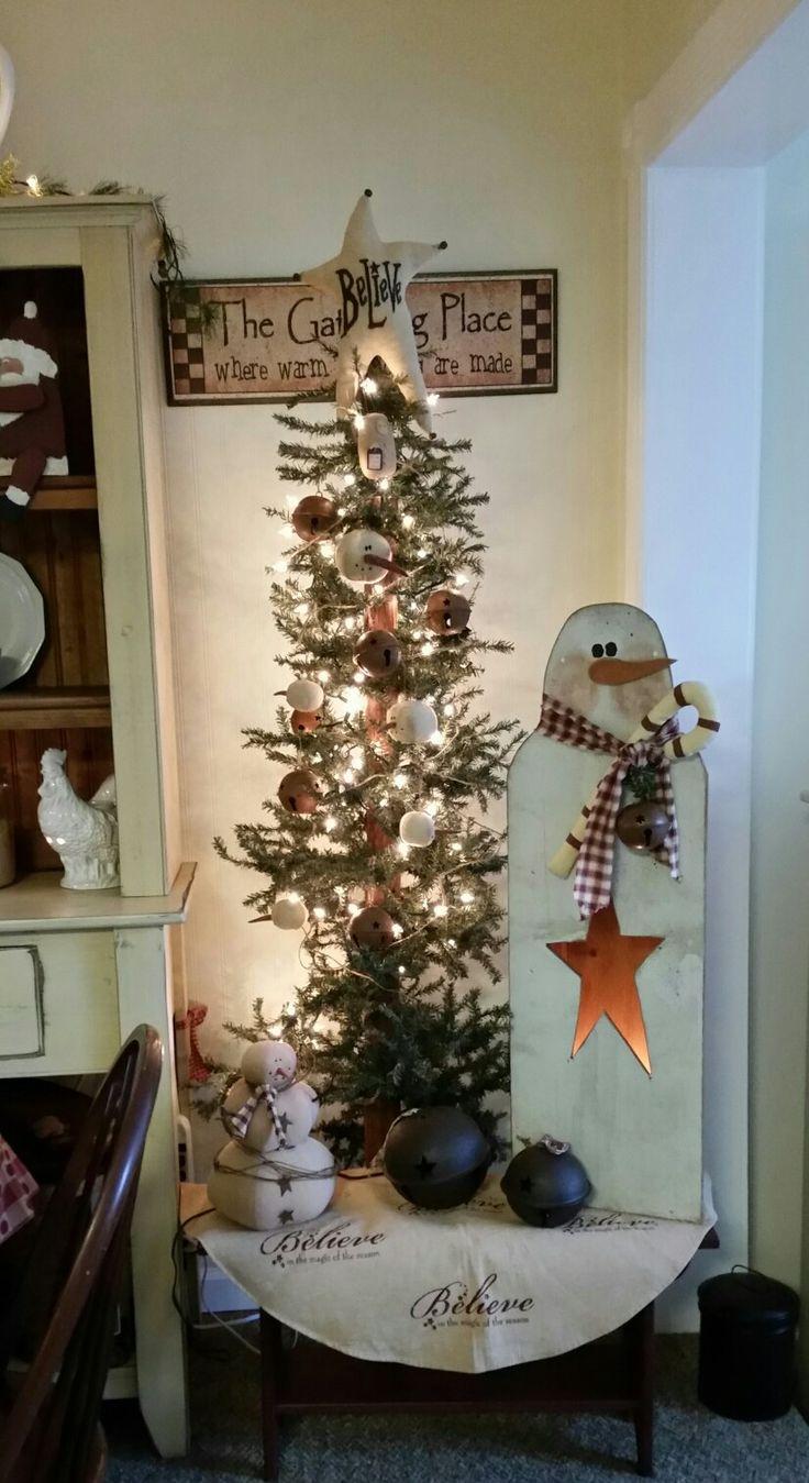 Prim Country Christmas tree