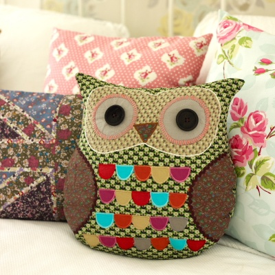 Owl cushion. cute to put in a baby bed.