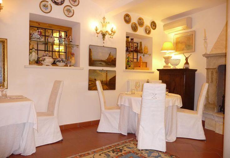 Sala dei Volti #casinodicaccia #italianrestaurant #italianfinerestaurant #weddinglocation #ristoranteitaliano #resort #ristorante #verona