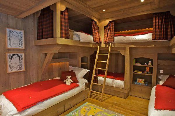 1000 id es sur le th me custom bunk beds sur pinterest for Chalet a louer avec piscine intrieure