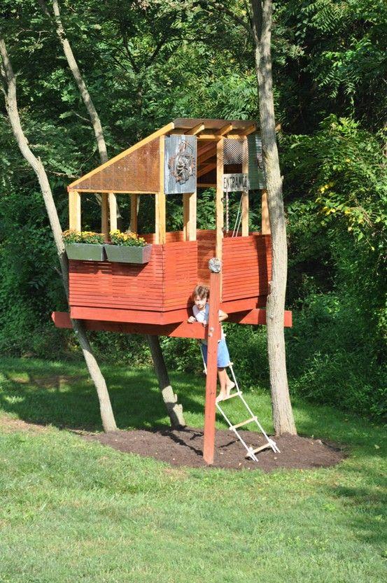 tree house: Backyard Plays, Funnies Treehouses, Trees Forts, Treehouses Tent Cardboard, Backyard Treehouses, Trees House, Treehouses Idea, Terrif Treehouses, Treehouses Playhouse