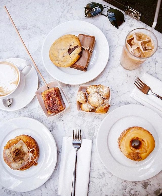 Going all out at Dominique Ansel Bakery London @cronutgirl