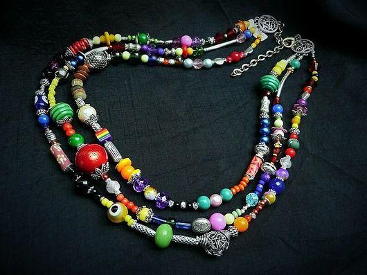 In Style Boho necklace rich. A feast of colors and beads. Very flattering and impressive :) //W stylu Boho naszyjnik bogaty. Feeria Barw i koralików. Bardzo twarzowy i efektowny :)