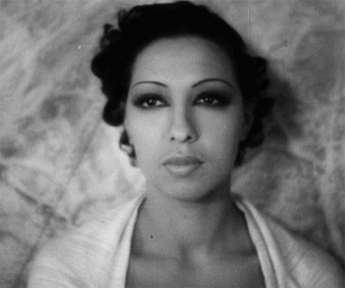 Jazz Age cabaret dance sensation and style icon Josephine Baker already rocked those smokey eyes!