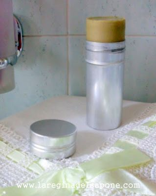 La Regina del Sapone: deodorante in stick al burro di karité e argilla bianca