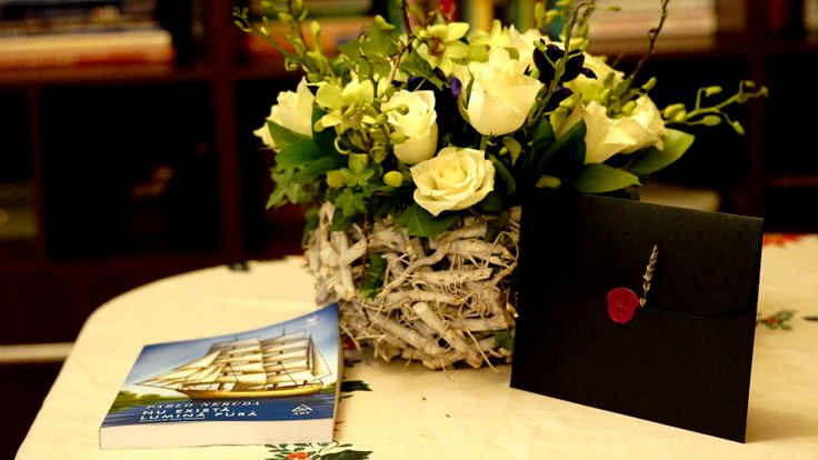Letters and flowers #messages, #gift #ideas, #envelopes, #invitations, #elegant, #letters #scrisori, #mesaje #caligrafie, #dragoste, #lavanda