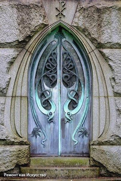Двери в стиле модерн.