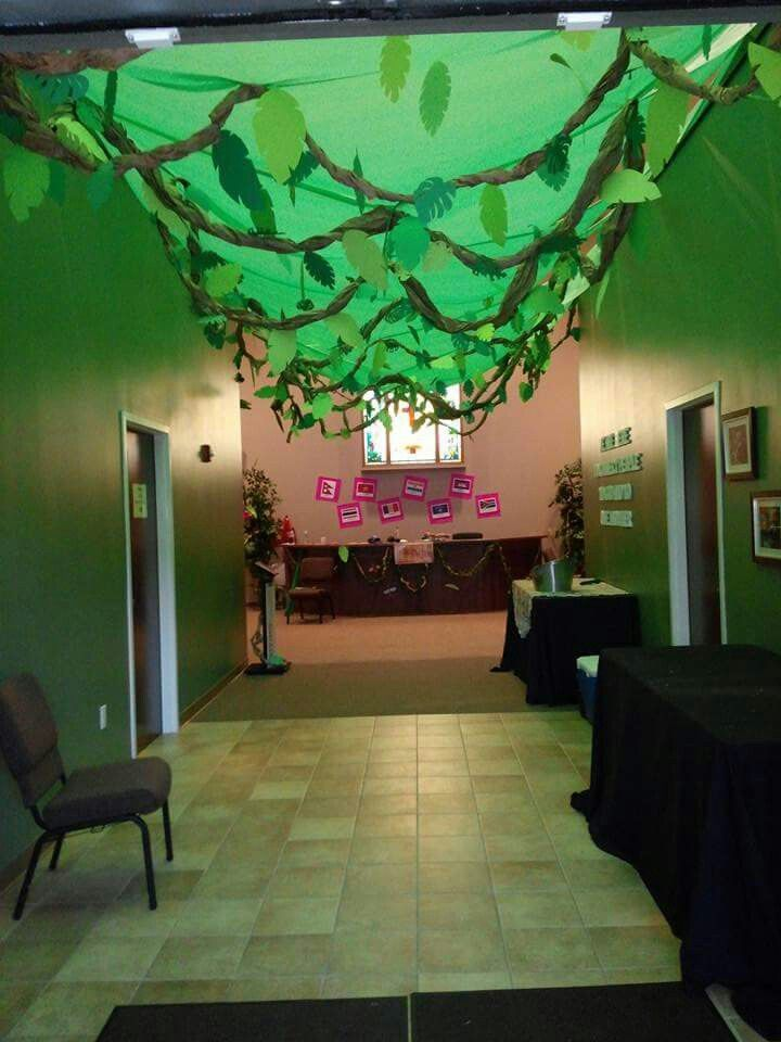 Jungle Hallway Rainforest Theme Vbs Jungle Decorations