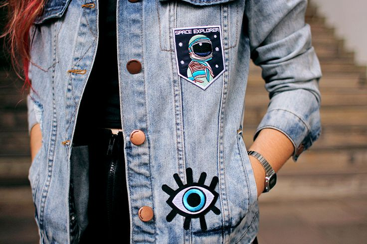 Meninices da Vida: Look: Saia, cropped e jaqueta com patches.