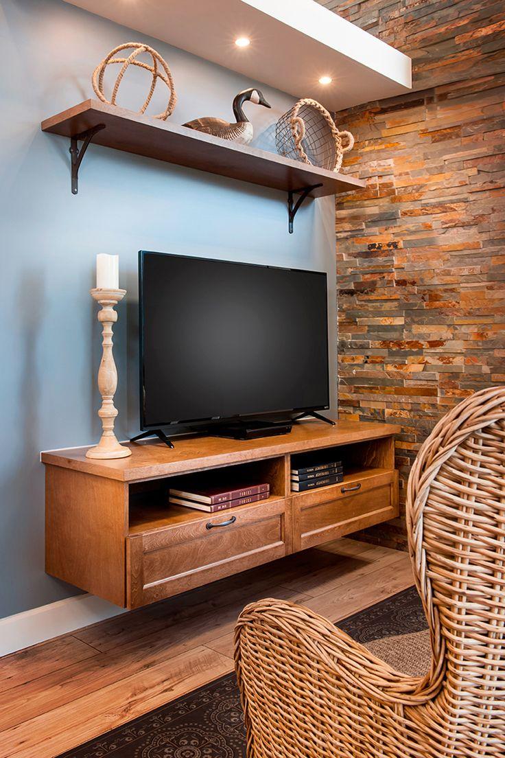 une pi ce agr ment e de meubles sur mesure soit un meuble pour t l vision et une biblioth que s. Black Bedroom Furniture Sets. Home Design Ideas