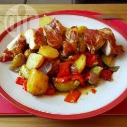 Foto recept: Geroosterde kip in parma ham met mediterrane groenten