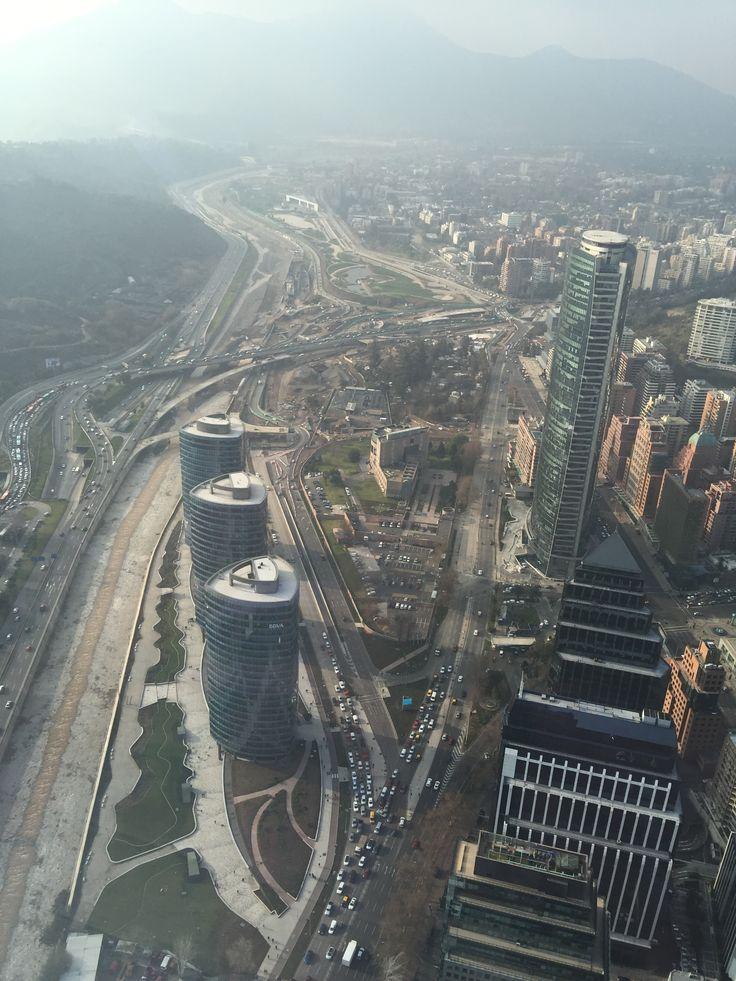 Rio Mapocho / Sky Costanera Santiago de Chile
