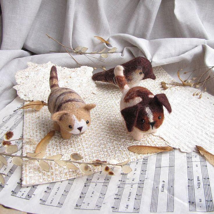 Пупсы в сборе. Живут и работают вместе.    #любоидорого #luboidorogo #feltedtoy #felteddoll #doll #wooltoy #craft #handmadetoy #felt#felttoy #gifttoy  #кукла#doll #handmade #ручнаяработа #идеяподарка #crochet#интерьернаякукла#interior#собака#пес#dog