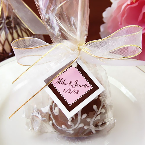 Cake pop favor with tag