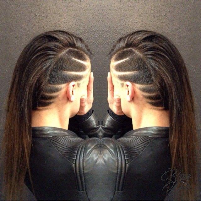 Line hairtattoo at razordolls Melbourne #hairtattoo #awesomecustomers #skullpturehair                                                                                                                                                      Más