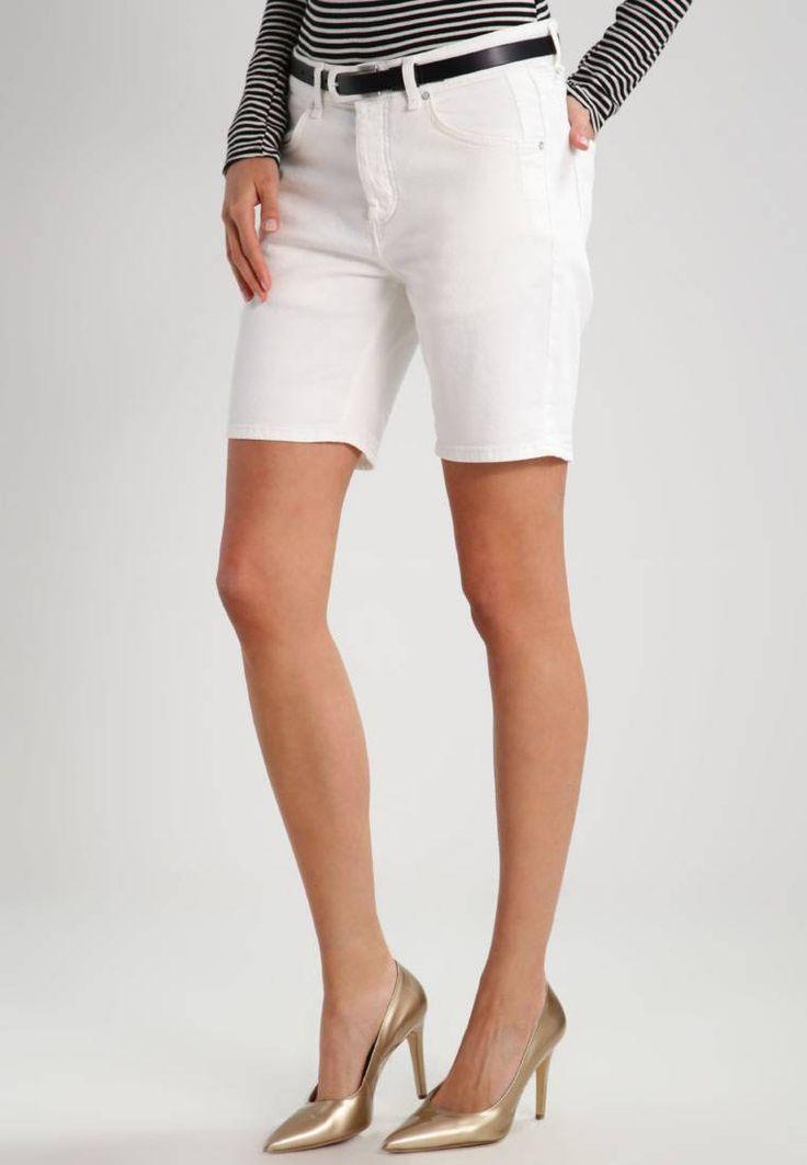 Marc O'Polo. Szorty jeansowe - white linen. Materiał:98% bawełna, 2% elastan. długość:krótka. wewnętrzna długość nogawki:20 cm w rozmiarze 27. zapięcie:guziki. Struktura/rodzaj materiału:denim. Wskazówki pielęgnacyjne:nie suszyć w suszarce b...