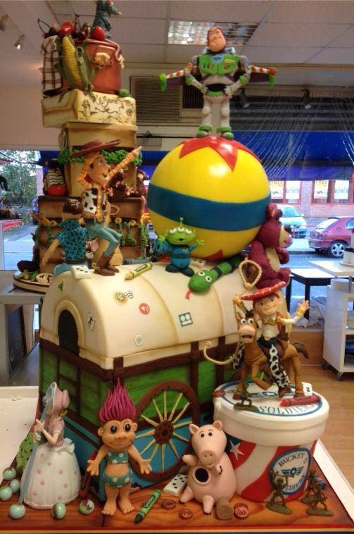 Award-Winning Toy Story 3 Cake Features Some Amazing Details - 2014