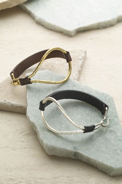 Our Gia Bracelet features soft leather and a hand-hammered look detail. The perfect touch for a casual look.