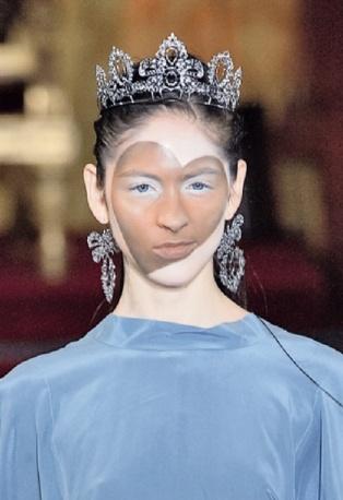 Vivienne Westwood - Regina di cuori. Dalla sfilata Primavera Estate 2013