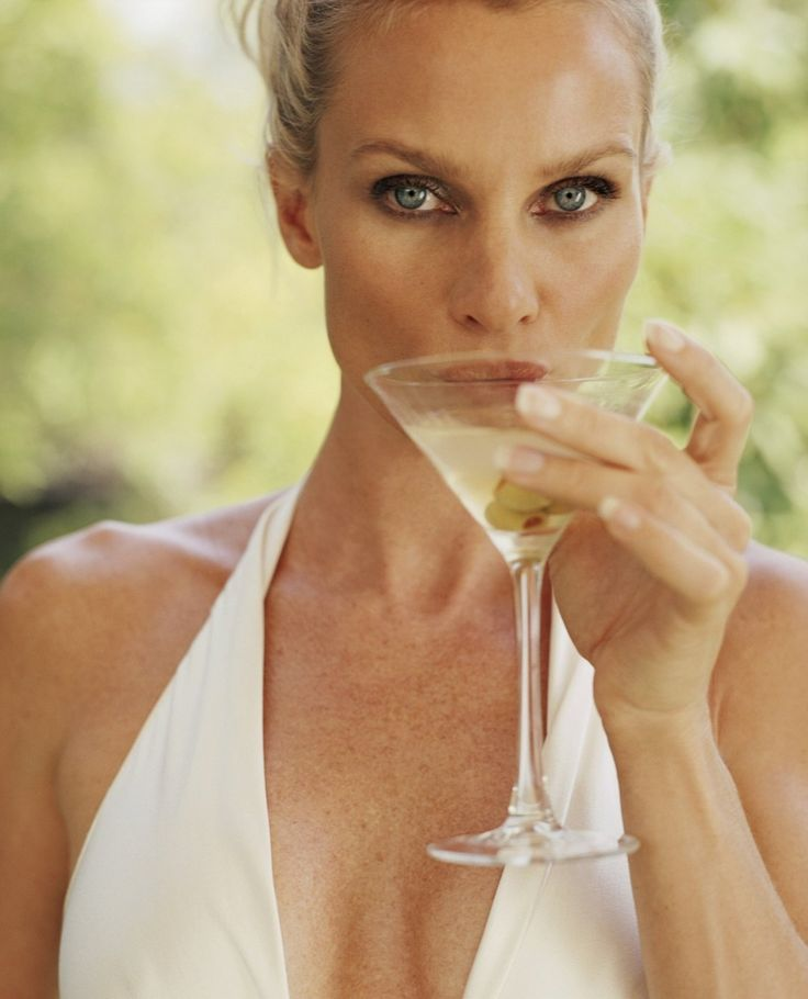 Nicollette Sheridan. Edie Britt was a bad bitch