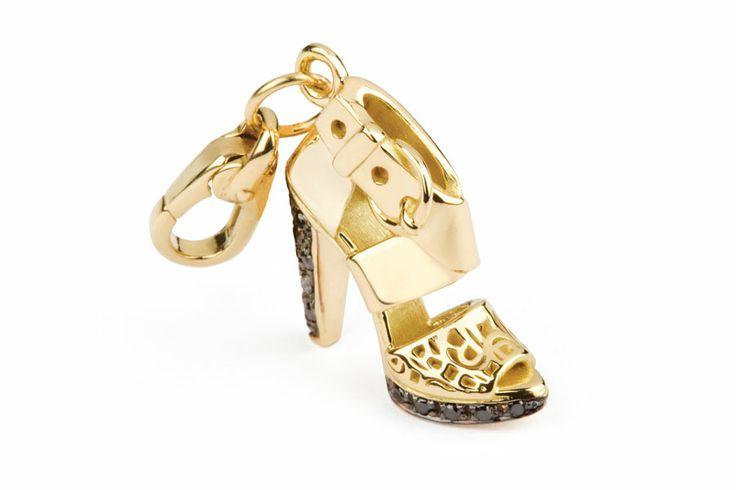 Rosato Gioielli. Yellow gold charm with black diamonds