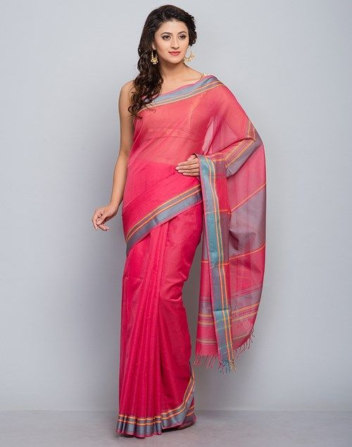 Stand+out+from+the+rest+of+the+mass+wearing+this+sari.+Made+of+silk+and+cotton+blend,+this+sari+is+quite+comfortable+to+wear.+The+shaded+palla+makes+this+sari+look+even+more+beautiful.