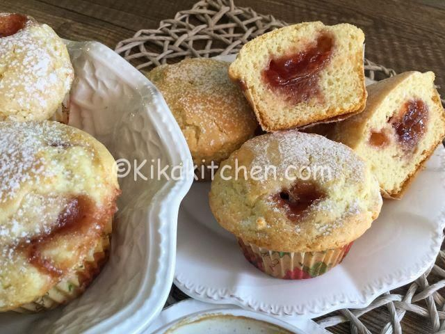Muffin con marmellata di fragole alti e soffici | Kikakitchen