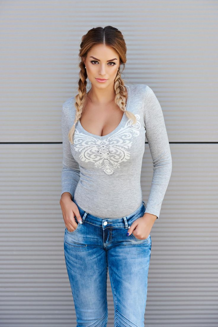 Rochie MissQ Butterfly Spread Grey. Rochie MissQ scurta, tricotata, cu model pe…