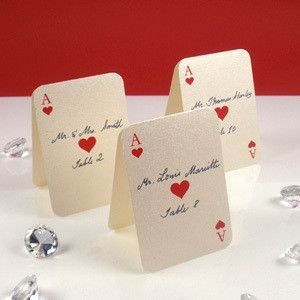 Las Vegas wedding place cards that are made to look like cards #lasvegas #wedding