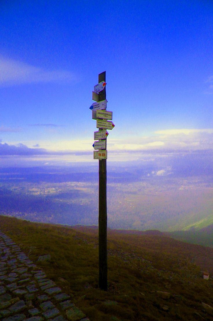 Spacer w chmurach. Droga na Śnieżkę/ The landscape of the Western Sudetes- Śnieżka