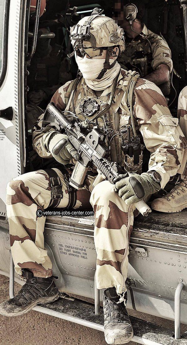French SAS (1er RPIMa) Opération Barkhane 2016. [600x1106]