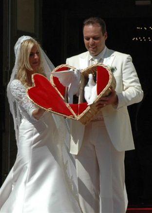 Frans Bauer en Mariska met open hartenmand