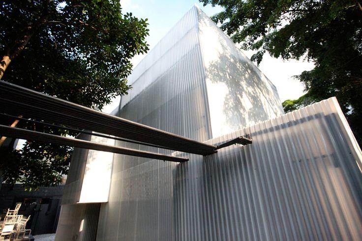 Corrugated plastic panels | Casa do lado, a retail space for Micasa, São Paulo | 20.87 architects