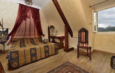 Une des Chambres d'hôtes  à vendre à Vezac près Sarlat en Dordogne