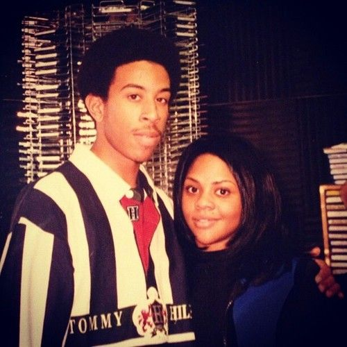 Ludacris and Lil' Kim......wow! Look at how young they look! And Kim was so pretty back in the day...