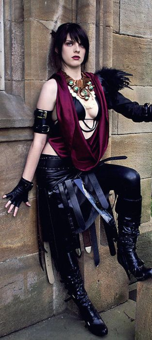 Awesome Morrigan from Dragon Age Origins cosplay