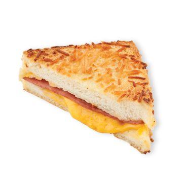식빵에 고소하고 부드러운 베샤멜크림소스를 바르고, 햄과 치즈를 넣고 치즈를 뿌려 구운 크로크무슈
