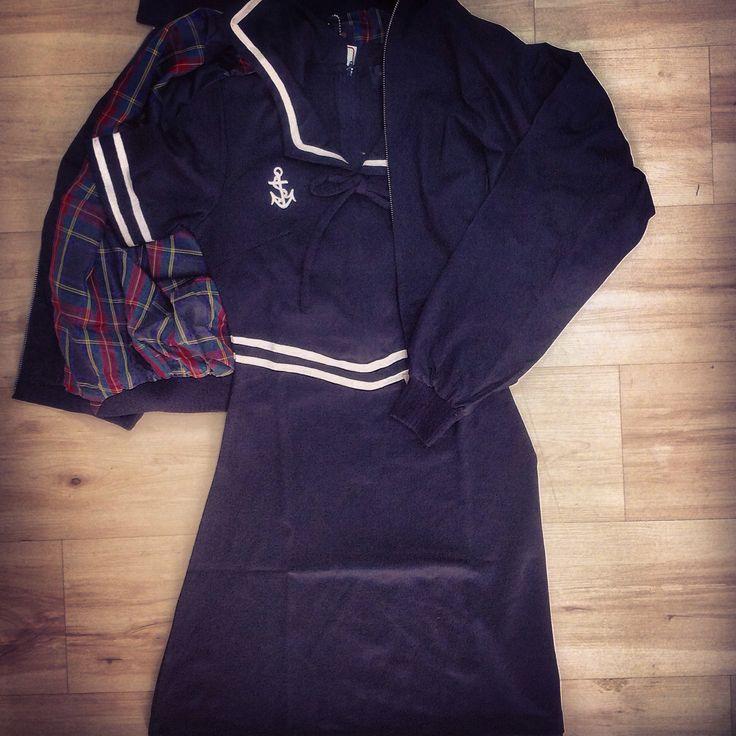 Jedno z wczorajszych zamówień: harringtonka i sukienka sailor marki pop boutique. Świetny outfit! http://www.col.com.pl/pop_boutique/damska_harringtonka_pop_boutique_czarna http://www.col.com.pl/pop_boutique/sukienka_pop_butique_sailor_dress #col #dress #outfits #popbutique #harrington #harringtonka #sukienki #retro #clothesoflondon