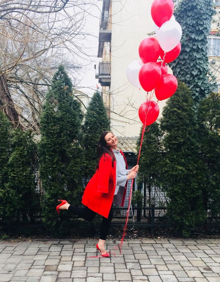 Www.caremo.hu with me we prepare a big surprise for Valentines Day. #adelalupse #adelalupsemodel #love #valentinesday #red #ballons #caremo #life #loveyourself #woman #girls #beauty #worldstar #smile #behappy #happiness #gorgeous #amazing #feelings #mood #vibes #photooftheday #model #curvygirl #plussize #fashion