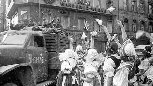 Red Army enters Prague on May 9, 1945