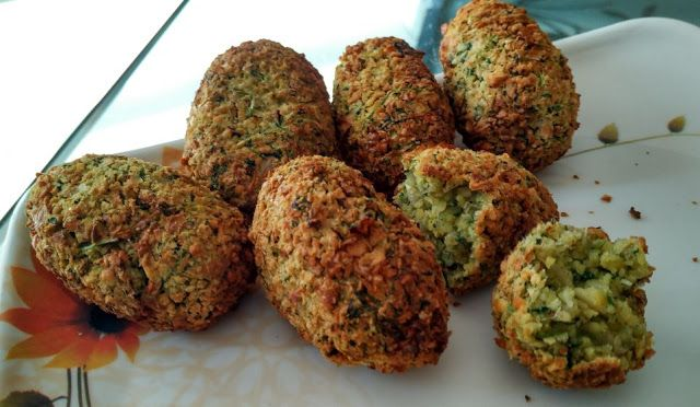 OIL FREE FALAFEL MADE IN AIRFRYER ~ Veg #Airfryer Recipes