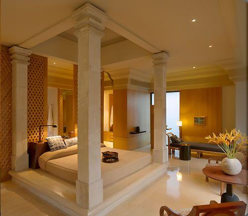 Amanjiwo suite bedroom.