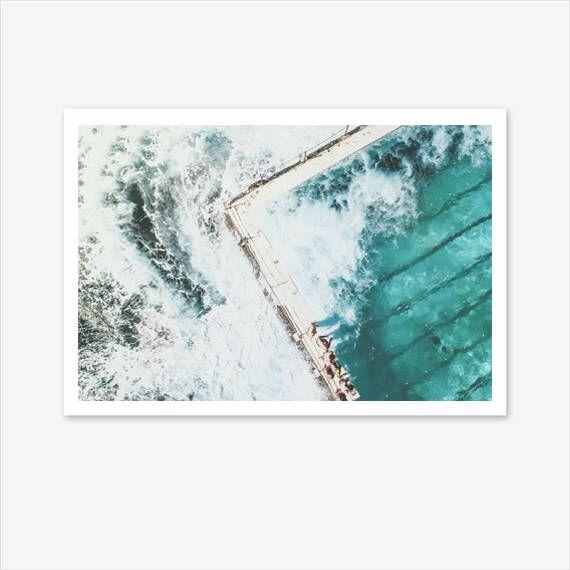 Bondi Beach Print, Coastal Decor, Ocean Print, Bondi Icebergs, Beach Decor, Nature Prints, Tropical Print, Bondi Print Large, Landscape #homedecorideas #homedecoronabudget #homedecordiy #homedecorideasmodern #homeoffice #homedecor #homeideas #wallart #walldecor #wallartdiy #art #print #digital #oceanprint #beachprint #beachdecor #natureprints #photographyprints #coastalwallart