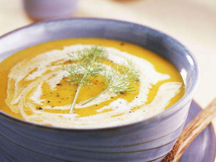 Avec les lectrices reporter de Femme Actuelle, découvrez les recettes de cuisine des internautes : Soupe de courge au fenouil