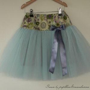 Free girls tulle swan skirt (French)