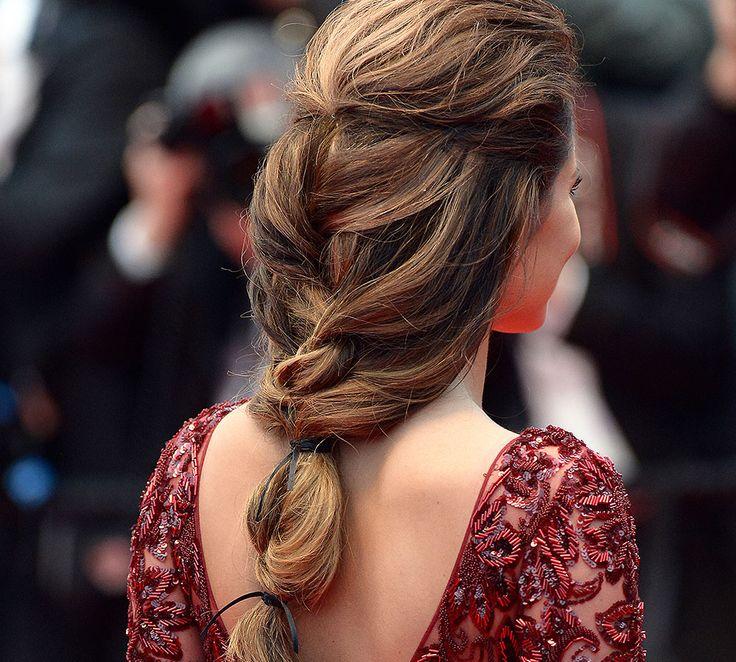 Los semirecogidos con trenzas se están convirtiendo en el peinado del día a día.